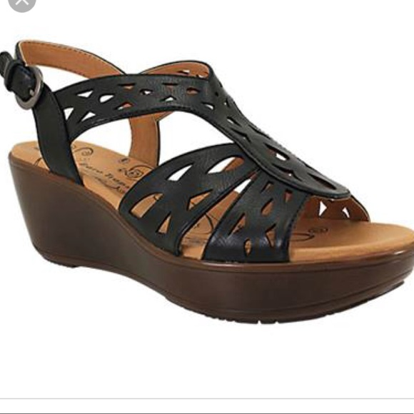 26295a03c236 bare traps Shoes - Bare traps wedge heel chunky black   brown sandals